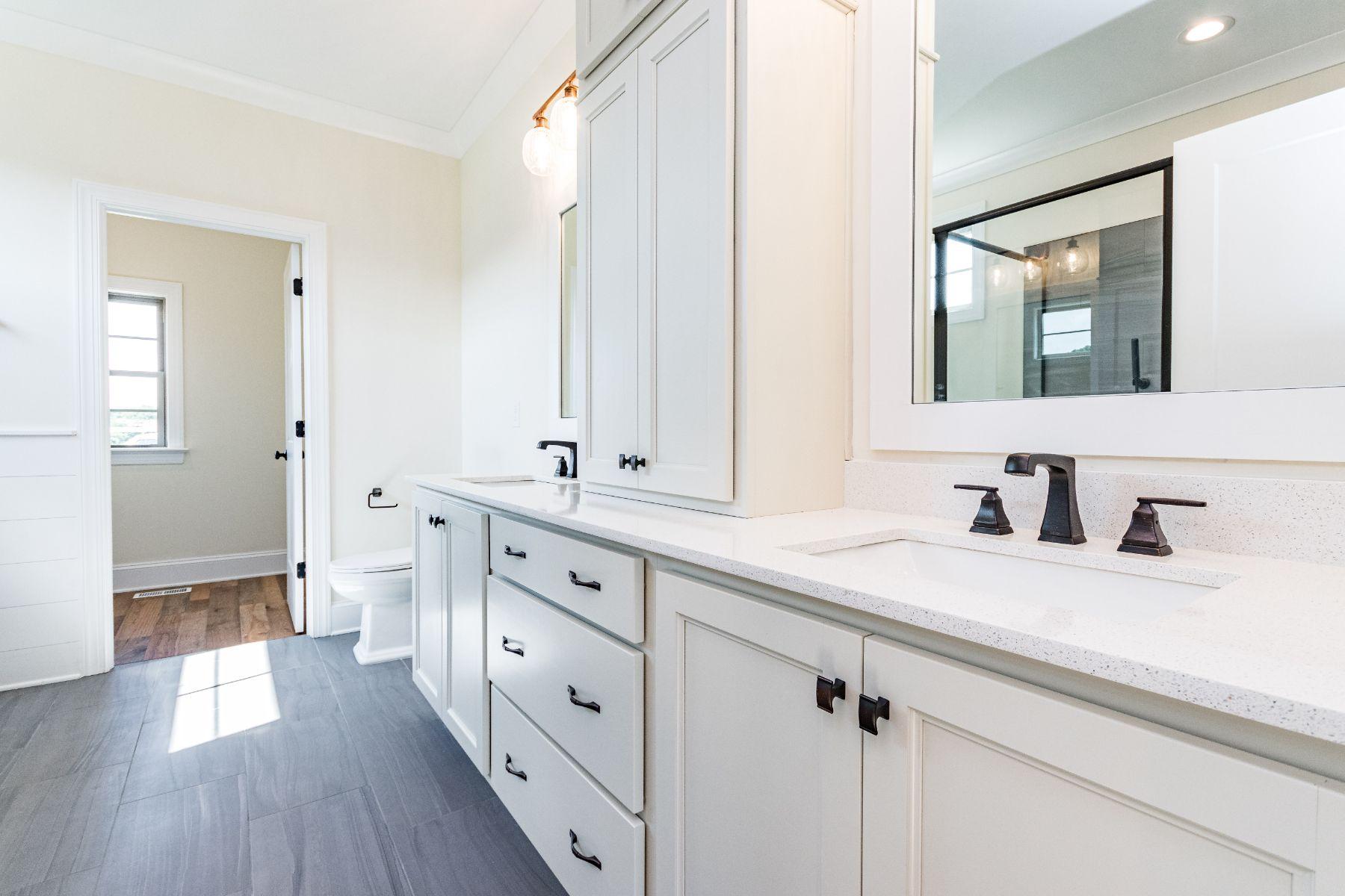 Magnolia Bathroom