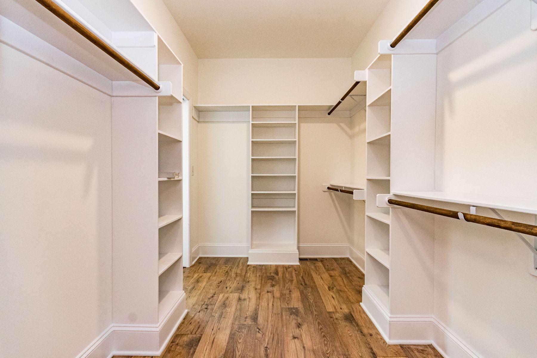 Moran Closet